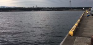 動画:大分 釣りスポット 大在公共埠頭 砂置き場 丹生川河口 GWにもおすすめ アジング ショアジギング サビキ釣り タチウオ チヌ(クロダイ) 釣りガールも安心の堤防 You Tube