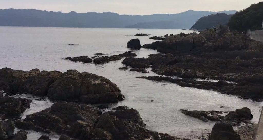 動画:エギング スポット下ノ江港 大分臼杵の車で行ける磯 遠浅 サーフ 砂浜 ショアジギング 釣りガールも釣りしやすい地磯 YouTube