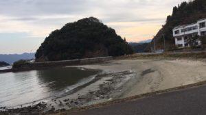 動画:大分臼杵の釣りスポット 砂浜 サーフ 臼杵市立豊洋中学校前 YouTube