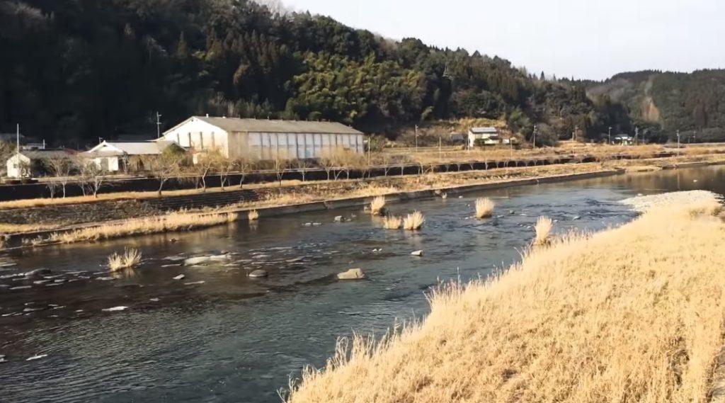 動画:大分 大野川水系 川釣りスポット 原尻の滝上流 ヤマメ アマゴ エノハ アユ コイ ハエ ウナギ 釣りガールも釣りしやすい川