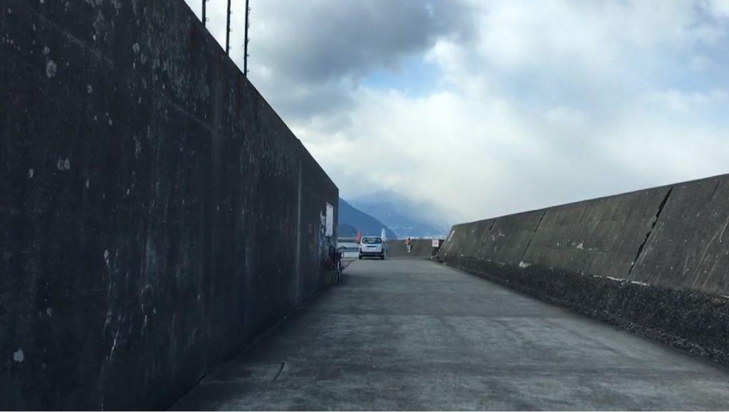 動画:【駐車場】人気の釣り場 西大分港 かんたん港園駐車場から白灯台駐車場までをドライブ撮影 【助手席視点】 釣りガールも安心の堤防